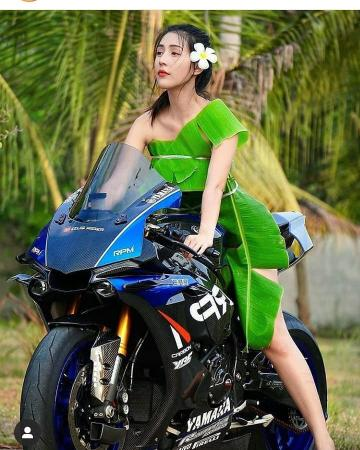 Picture with tags: Outdoor, Girls, Bikes