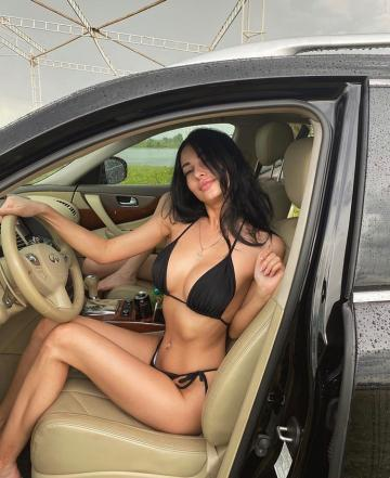 Picture with tags: Underwear, Girls, Cars