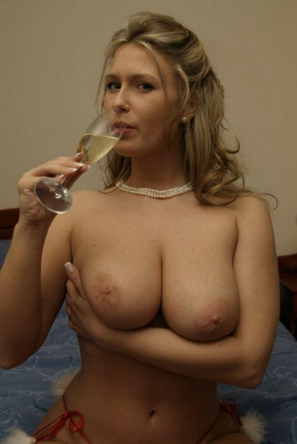 Picture with tags: Topless, Interesting, Alcohol , Girl