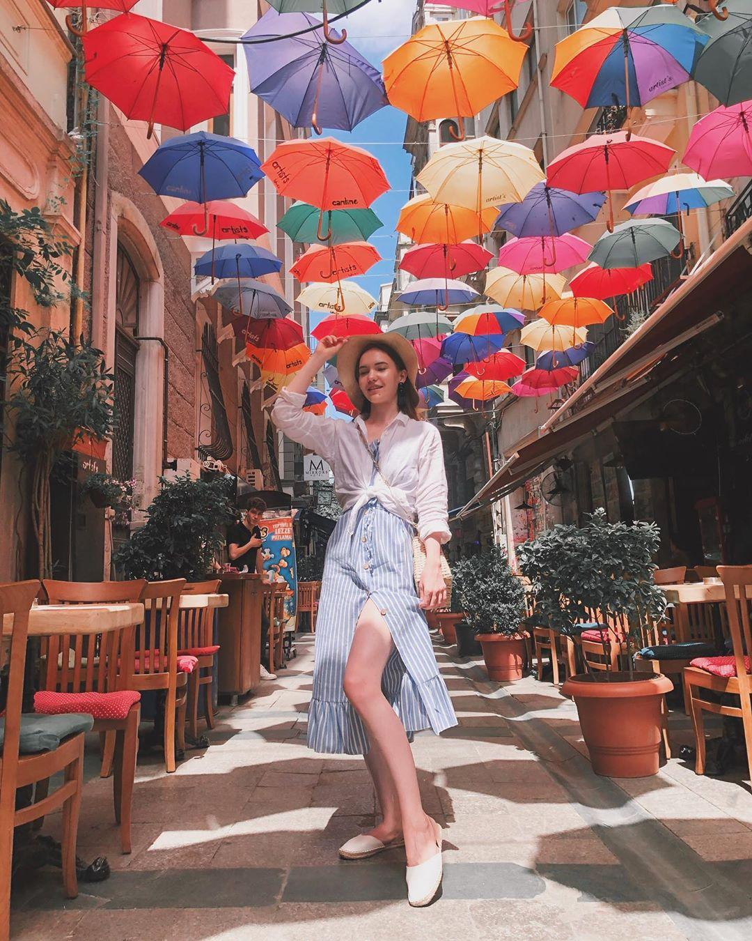 Picture with tags: Real, Fashion and beauty, Travel, Girl