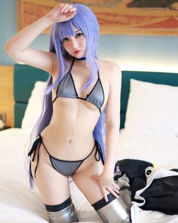 Picture with tags: HD, Cosplay, Auto moderation,