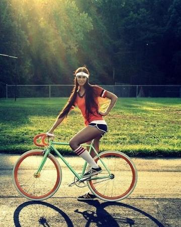 Picture with tags: Girls, Bikes, Sport
