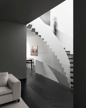 Picture with tags: Architecture, Auto moderation, Interiors