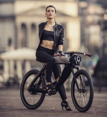 Picture with tags: Girls, Bikes
