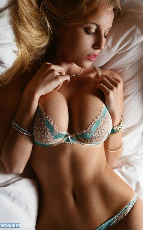 Picture with tags: HD, Real, Interesting, Lingerie, Girl