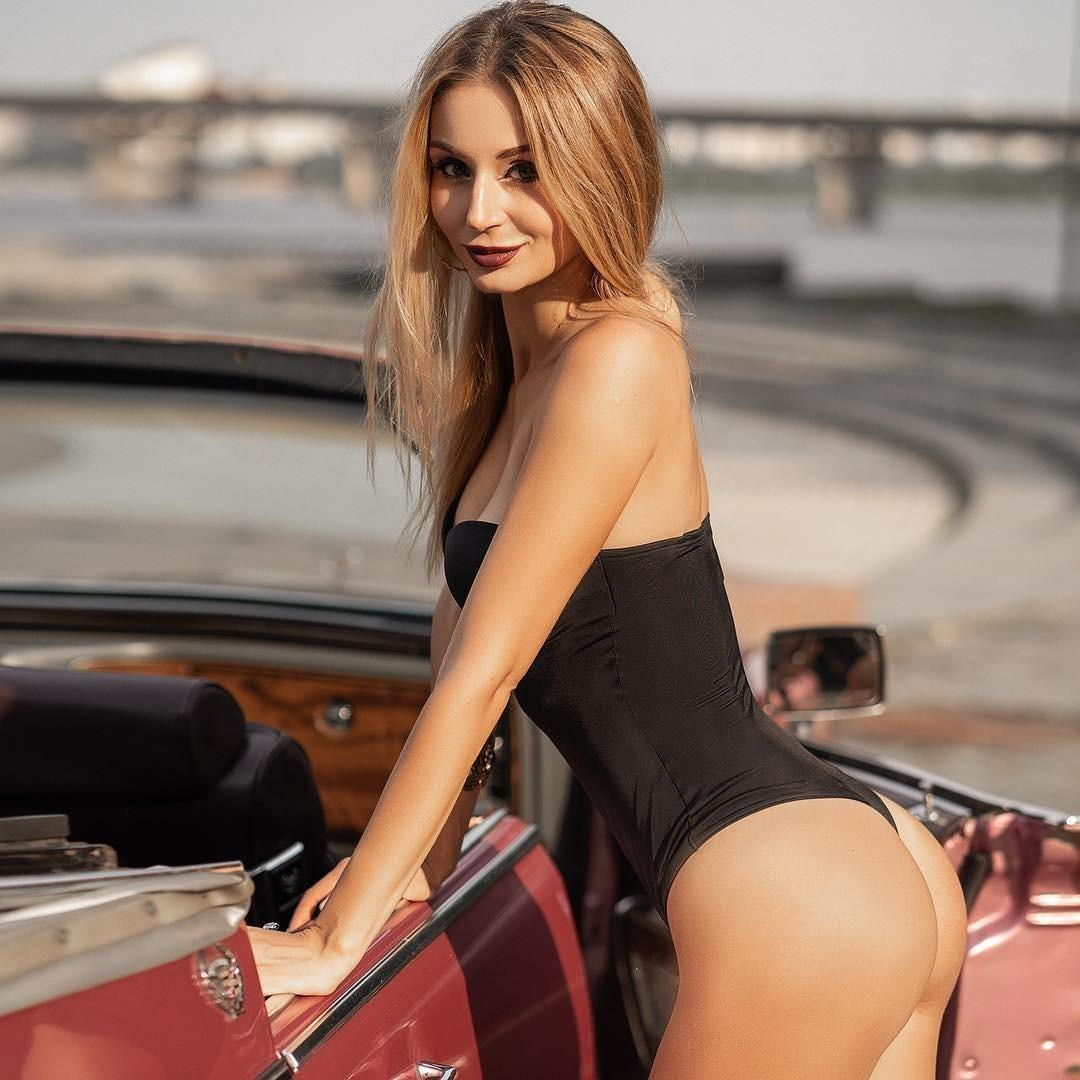 Picture with tags: Wallpaper, HD, Real, Interesting, Cars, Swimsuit, Girl