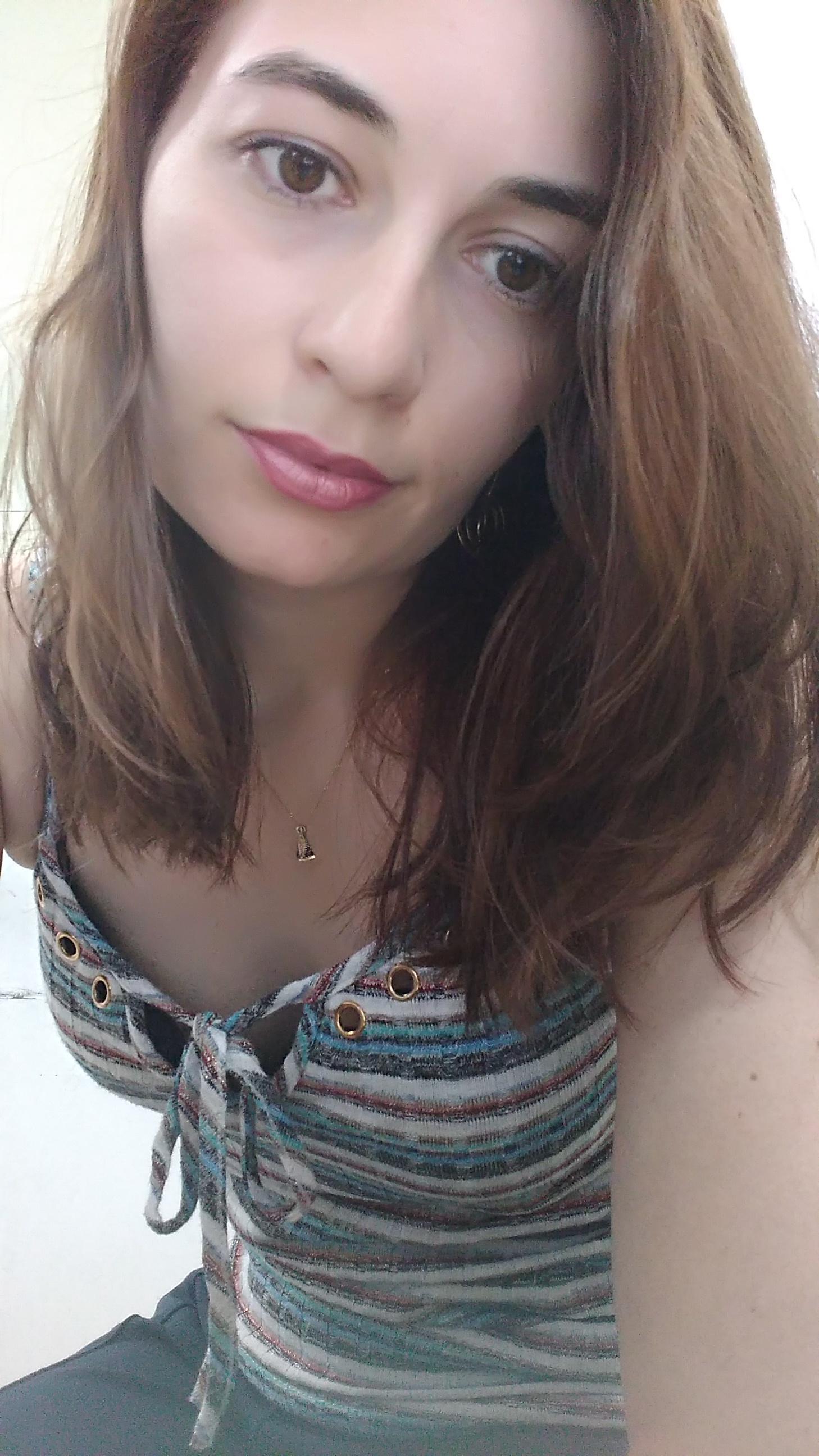 вебкам модель Anne Petit